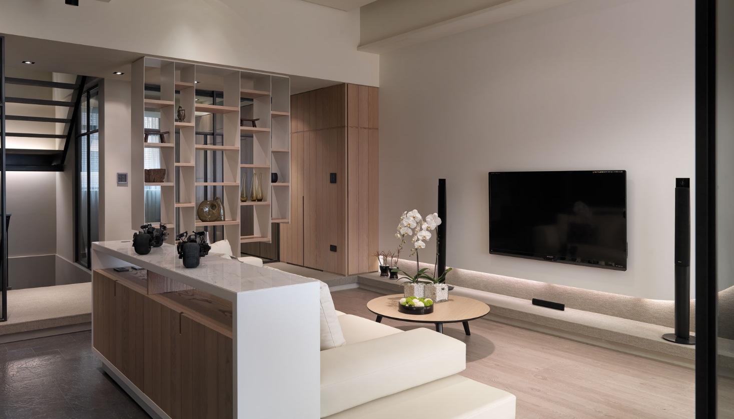 white-modern-living-room-design